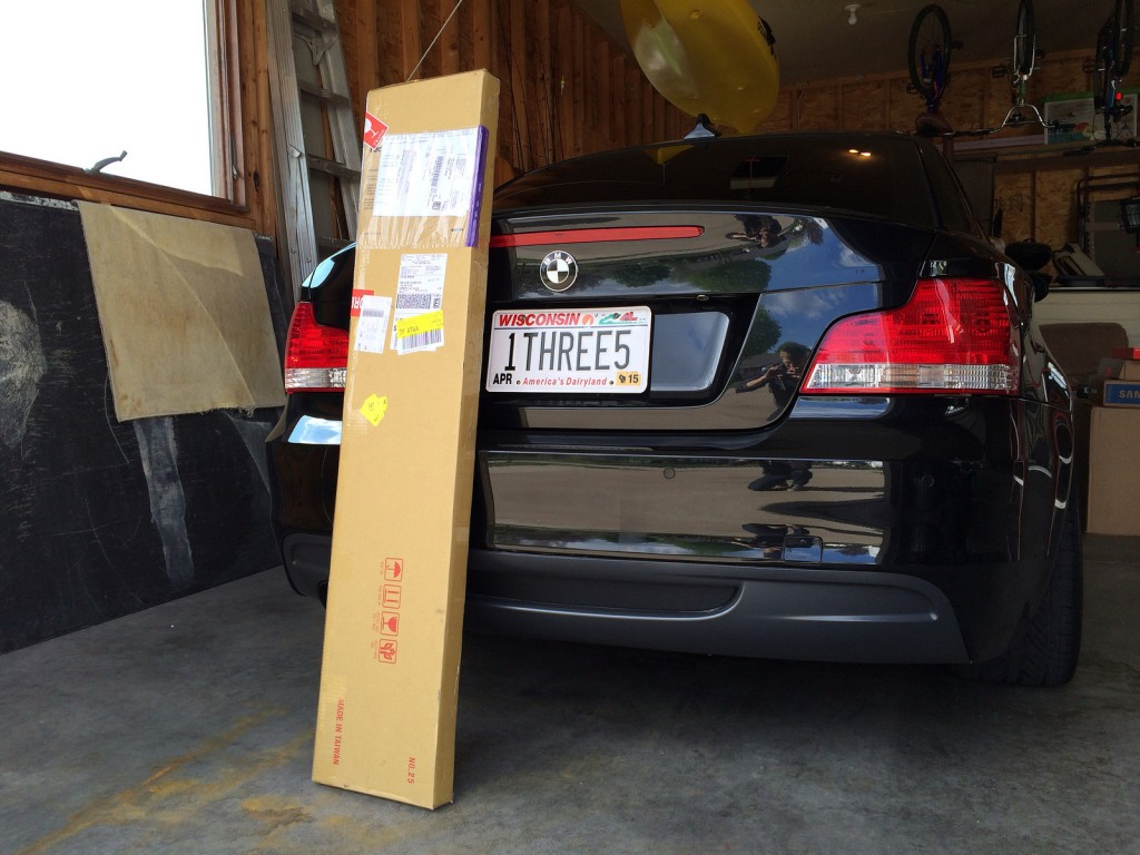 bmw-performance-spoiler-box