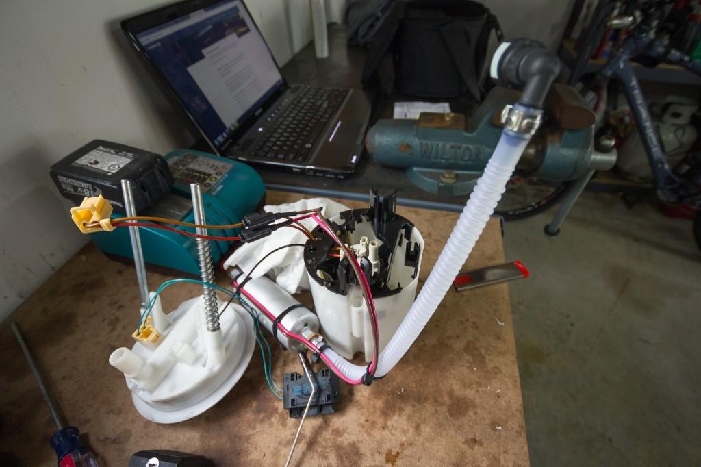 BMW 135i Walbro 255 inline pump assembly