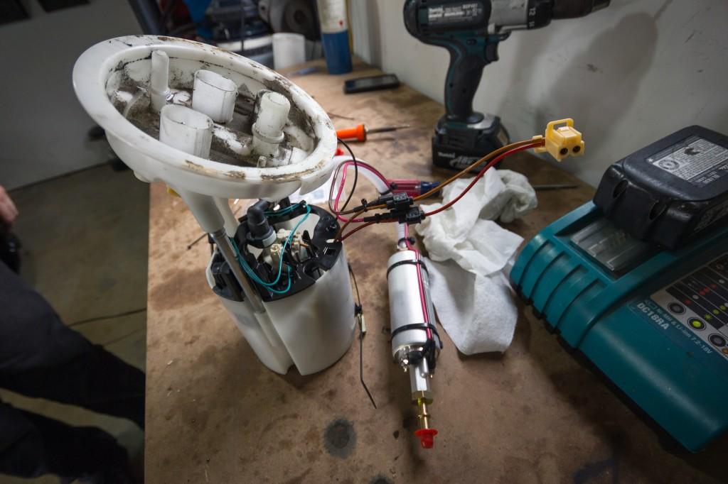 BMW 135i Walbro 255 inline pump